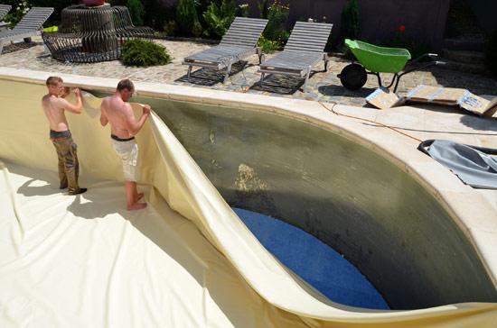 R novation piscine au domaine de la fr naie estreux for Feutre sous liner piscine