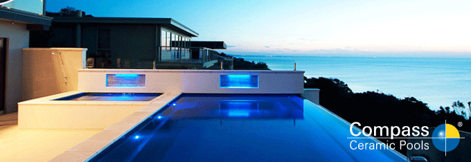 Les piscines compass pool australia en france for Accouchement en piscine en france