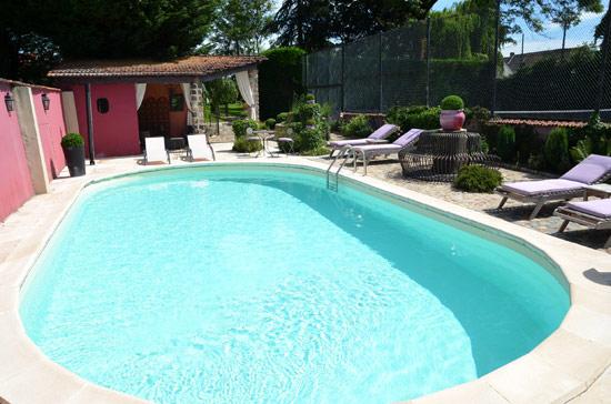 Le résultat final la piscine mise en eau