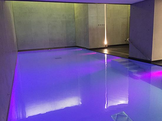 Couverture immerg e automatique pour piscine miroir for Piscine miroir polyester